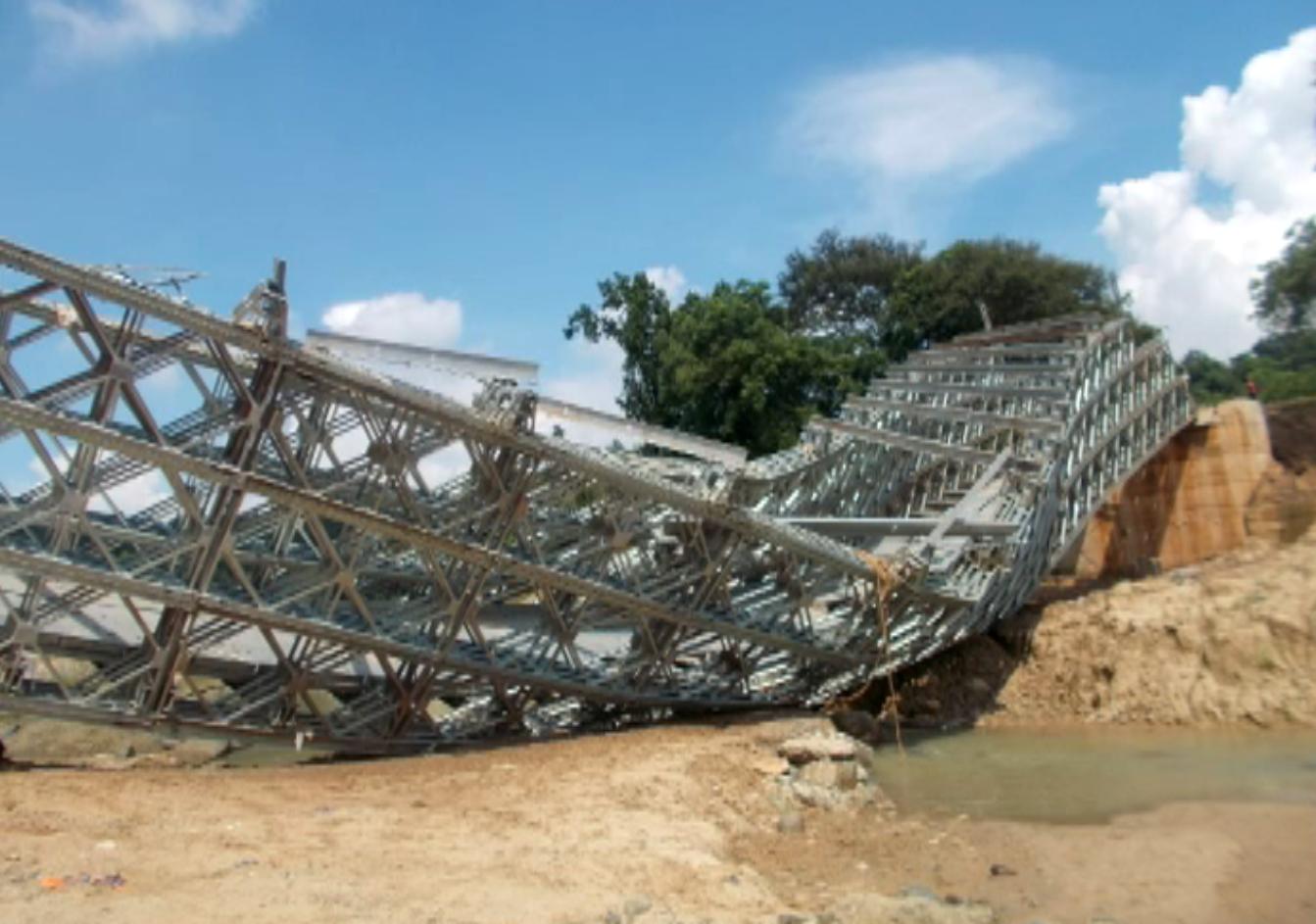 bailey-bridge-collapse