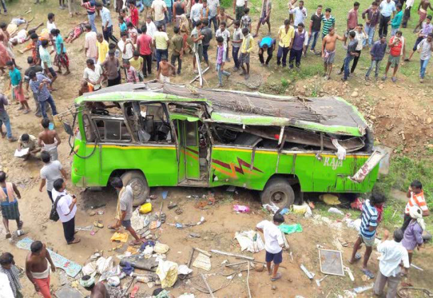 bus-accident-610x420