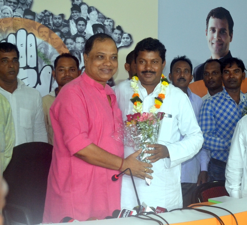 Shivaji Majhi back in Congress fold
