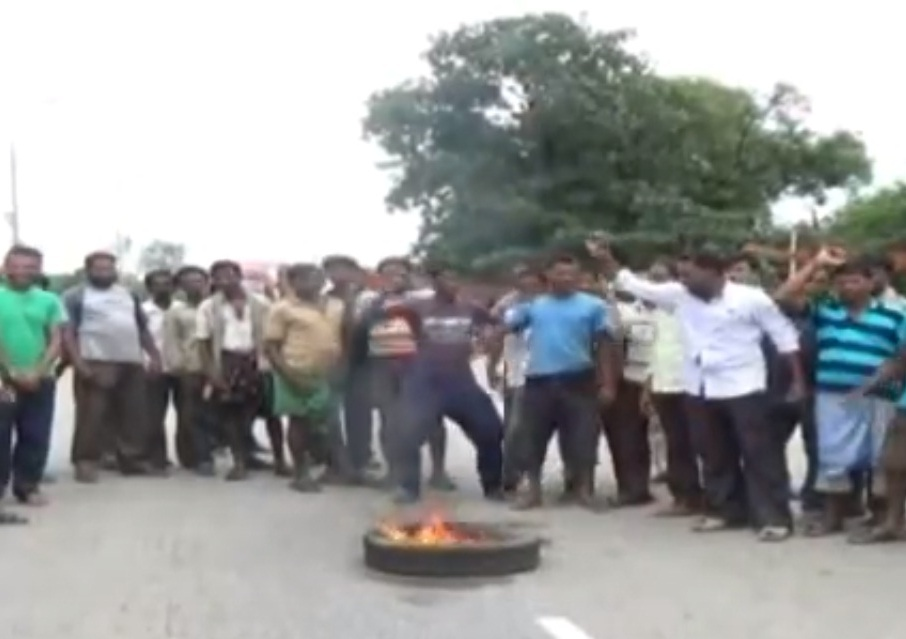 road-block-bargarh