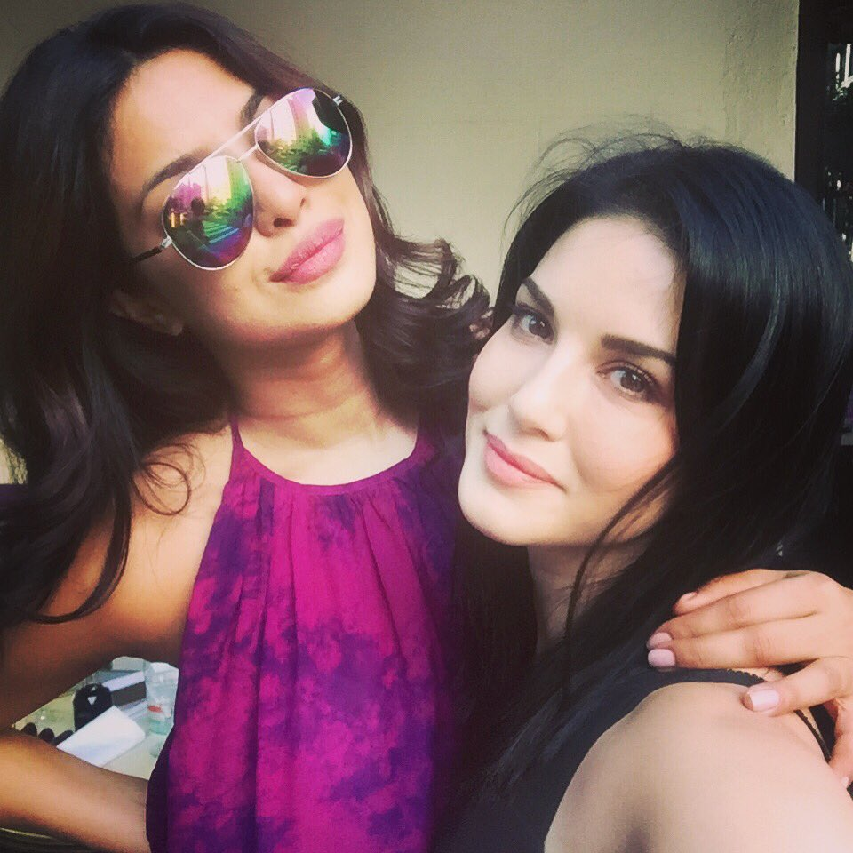 Priyanka Chopra and Sunny Leone are having a gala time in NYC!
