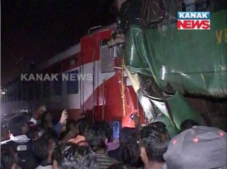 train-accident-kathajodi