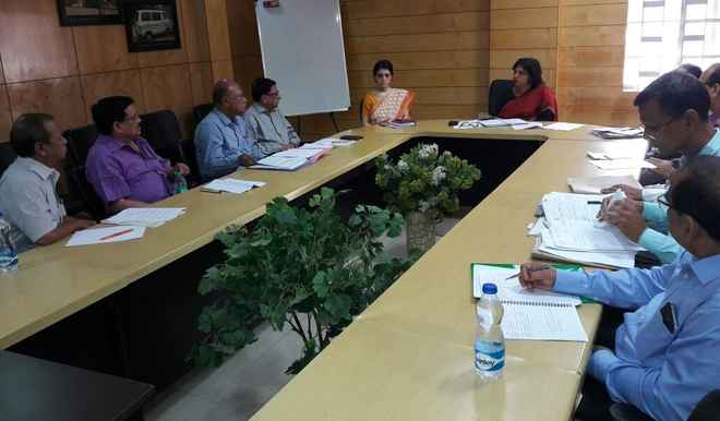 pvt-hosp-office-bearers-meeting-with-arti-ahuja
