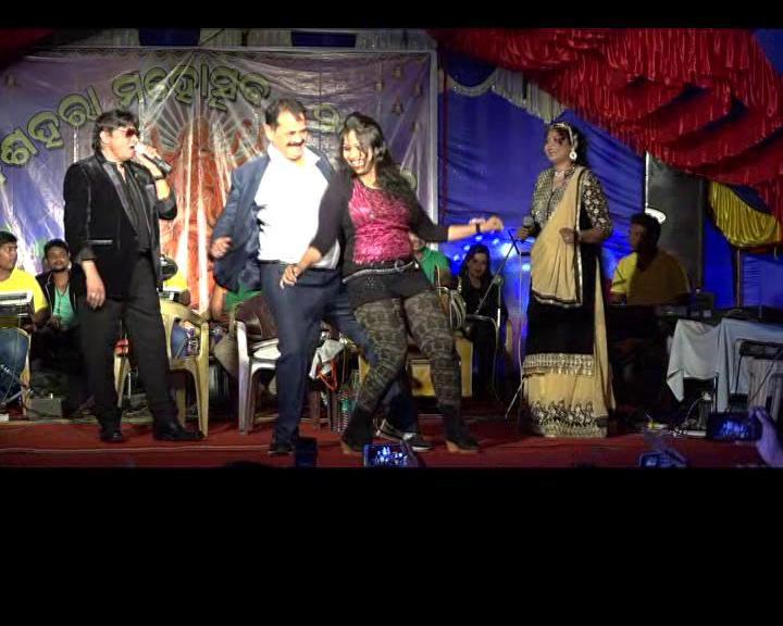 tara-bahinipati-dancing