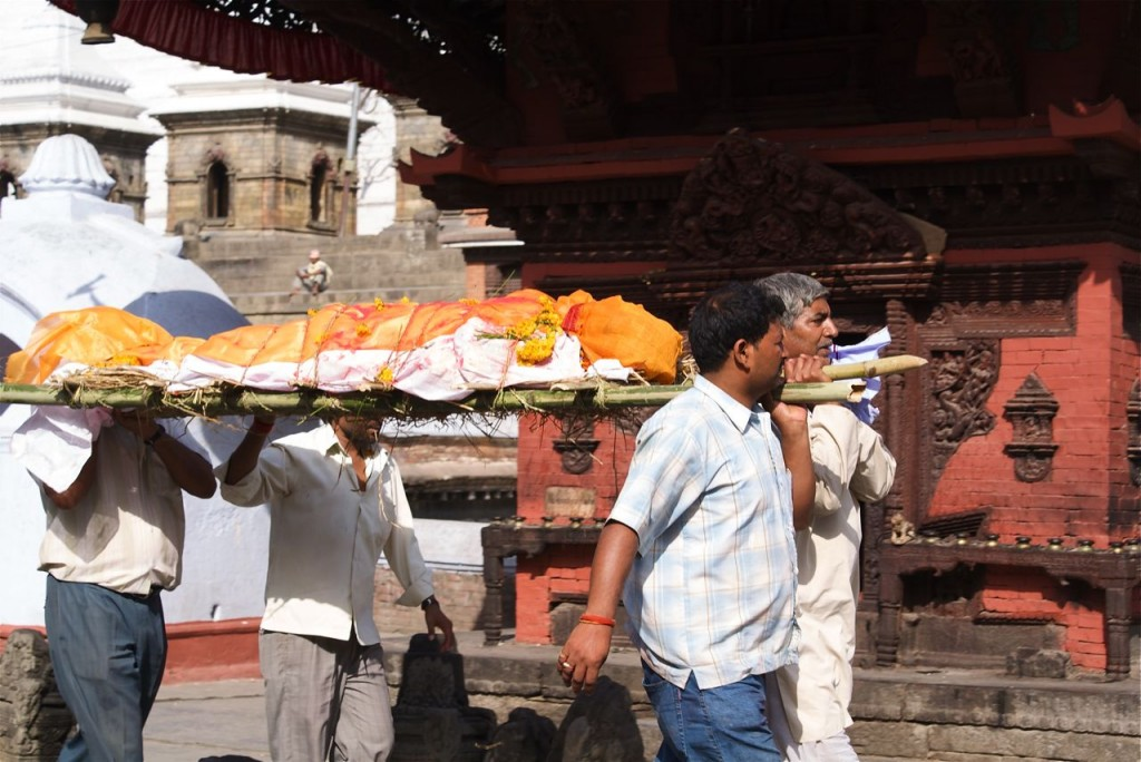 Pic Courtesy: http://gwnunn.com/blog/2011/10/travel-photo-of-the-week-17oct11-nepal/