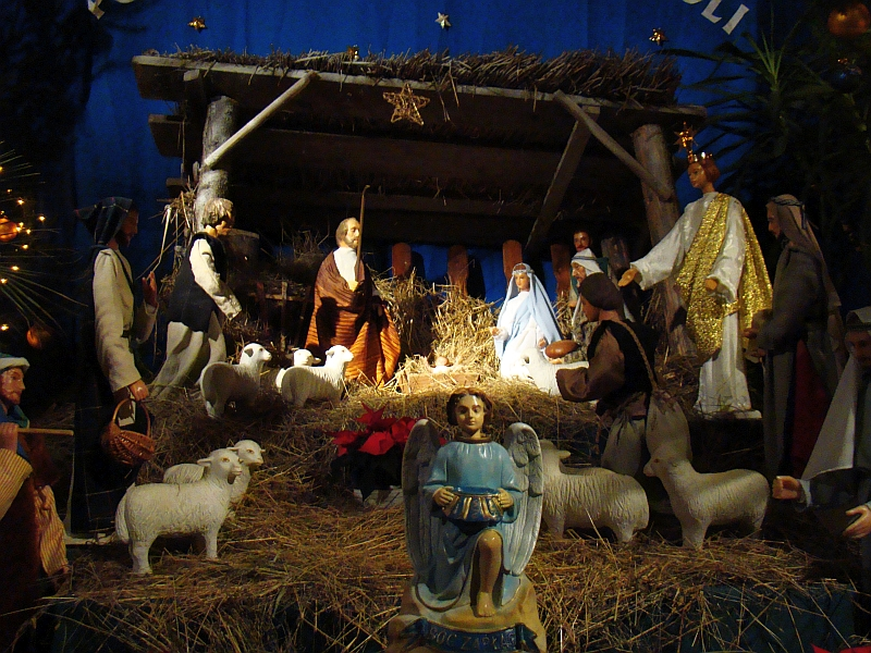 04567_christmas_nativity_scene_at_the_franciscan_church_in_sanok_2010