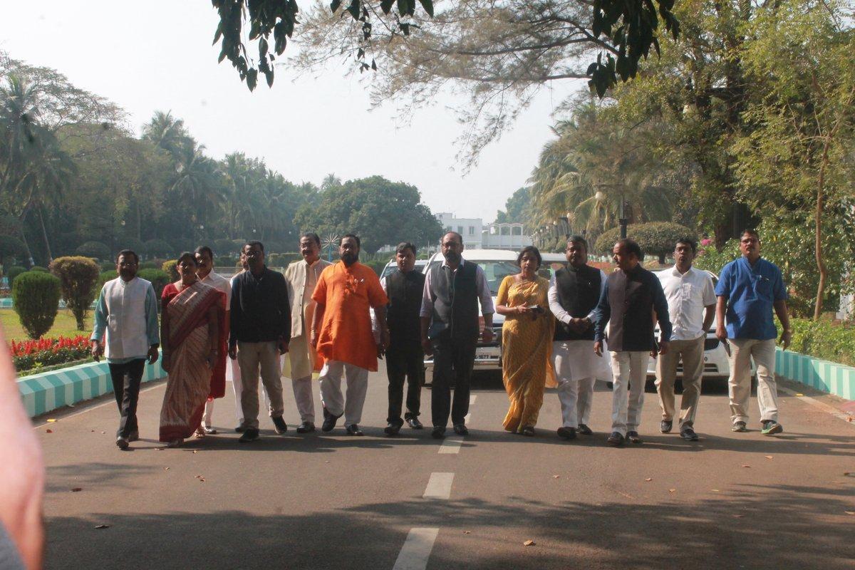 bjp-delegation-meet-odisha-governor