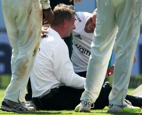 umpire-injured