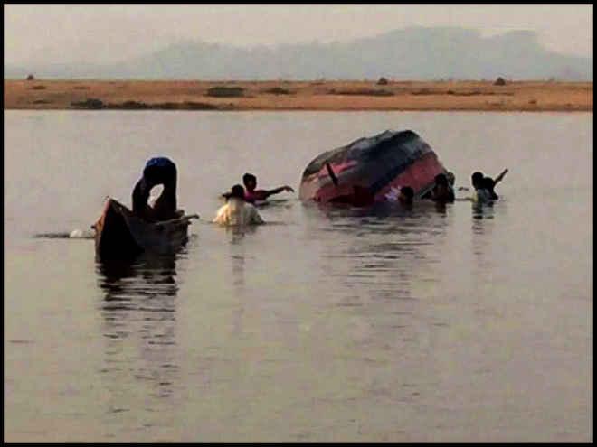 kantilo-boat-capsize