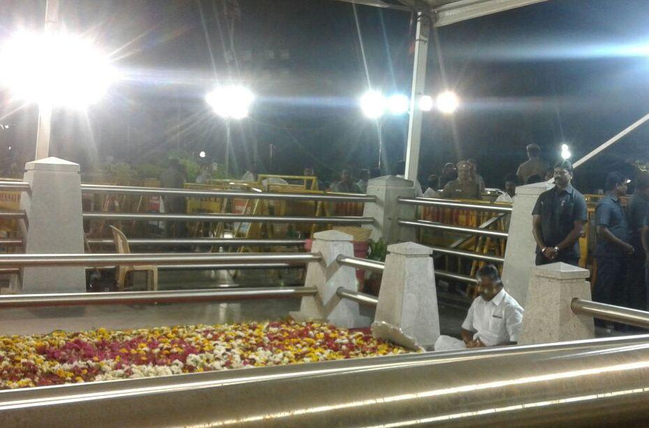 Panneerselvam meditates jayalalithaa memorial
