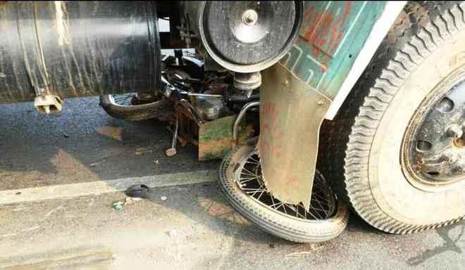 truck bike accident