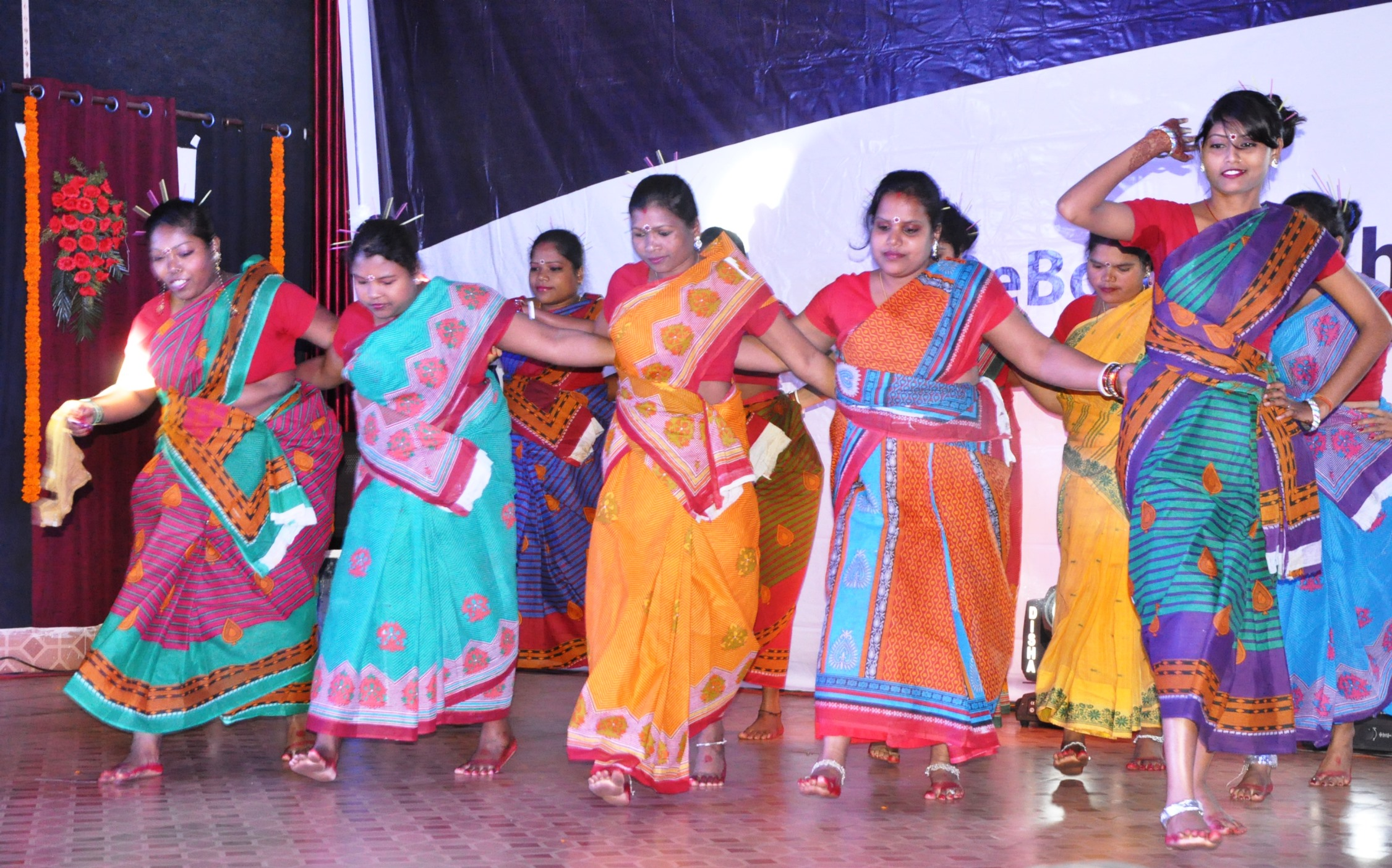 Cultural performances by women employees of OMQ