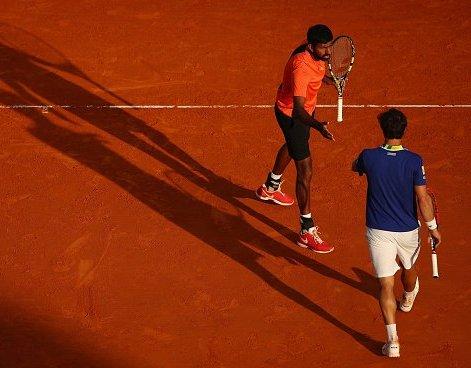 Bopanna-Cuevas-win-title