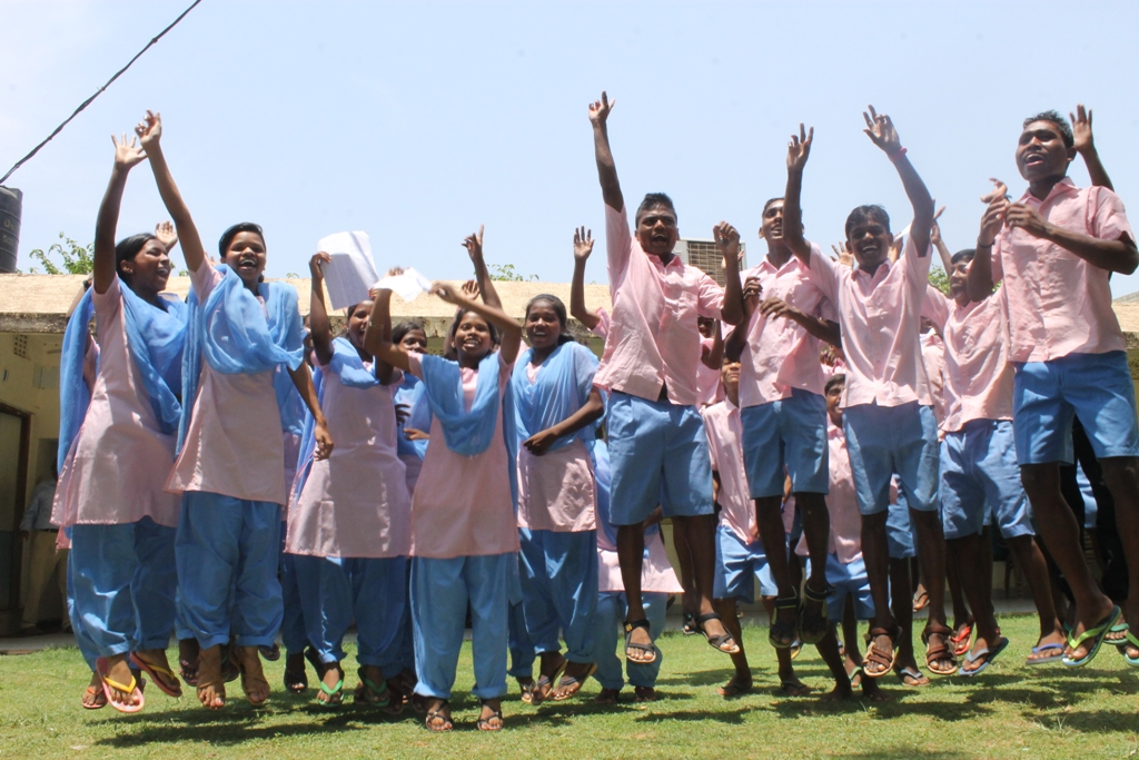 Kiss students celebrate in campus