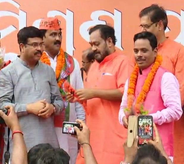 harihar mohapatra joins BJP