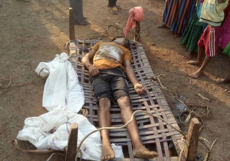 maoists kill one