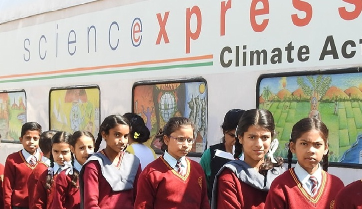 science-express train