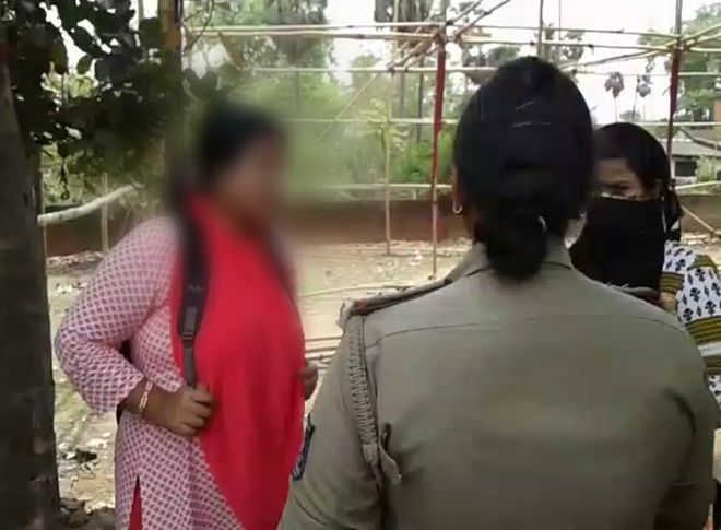 woman claims mla's wife pic