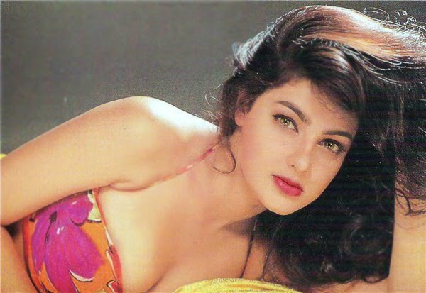 Court declares Mamta Kulkarni, husband as proclaimed offenders