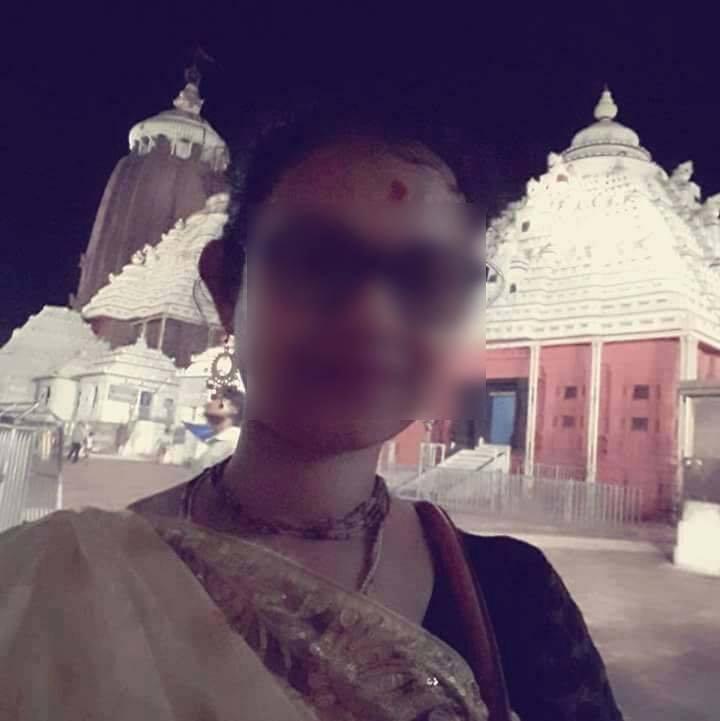 Puri Canal Road Bhubaneswar: Security Breach: Bengal Tourist Takes Selfie Inside Puri