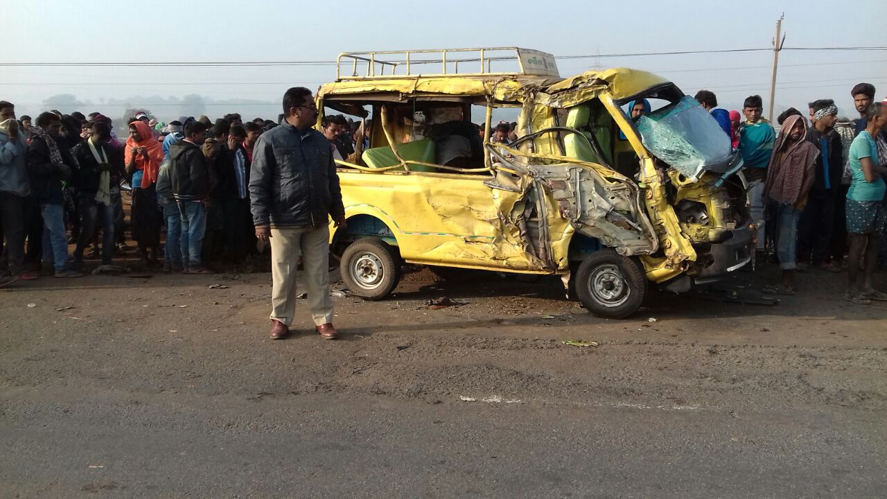 Four killed, six injured in van-truck collision