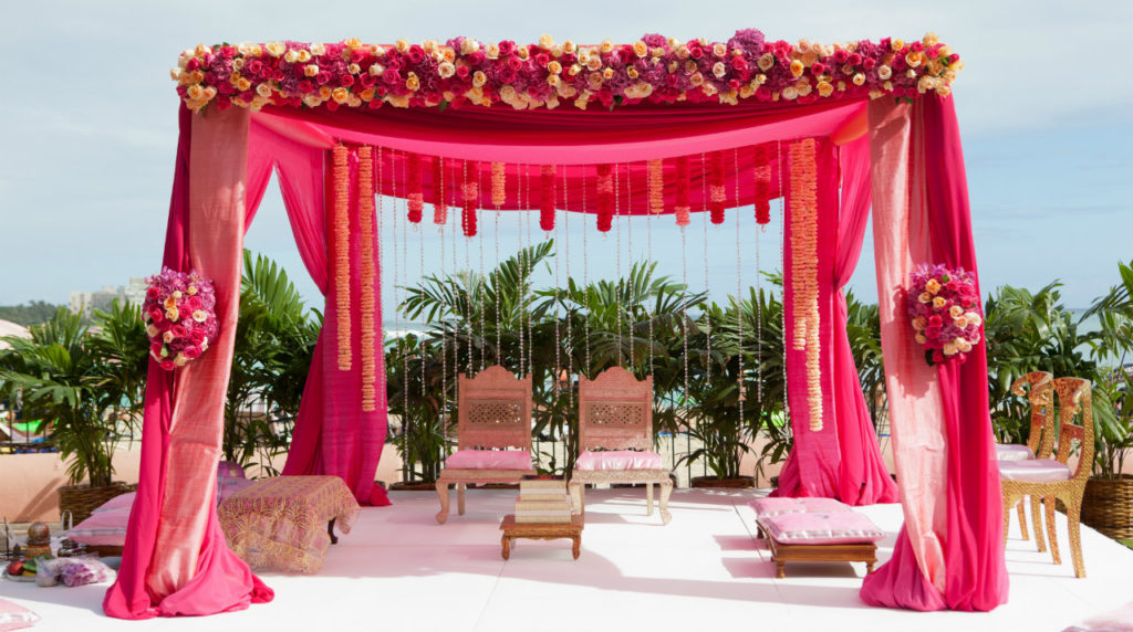 Flower bouquets make for favoured presents in odisha for Artificial flower decoration mandap