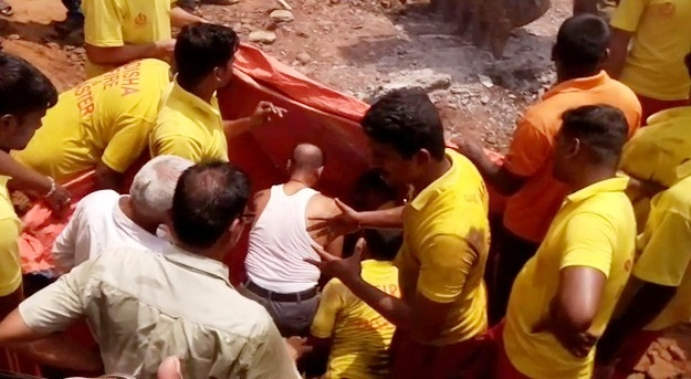 Labourer trapped in drain pipe in Cuttack, rescue operation is on