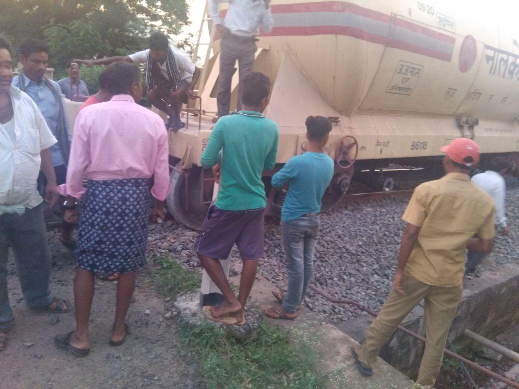 Goods train derails