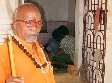 lakhsmanananda-saraswati