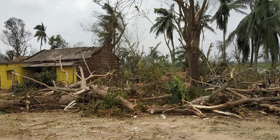 Andhra CM announces Rs 15 cr for cyclone-hit Odisha | OdishaSunTimes com