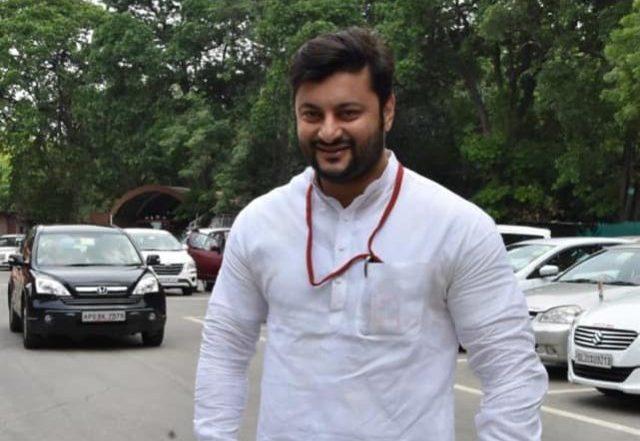 Misbehaviour slur on Odisha MP Anubhav Mohanty: Woman journo stages