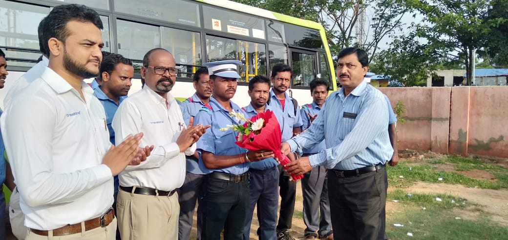 CRUT DRIVER FELICITATED FOR HIS HONESTY