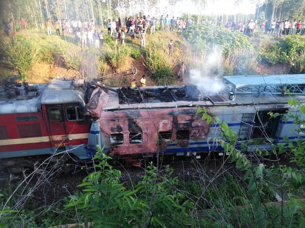 Samaleswari Express fire