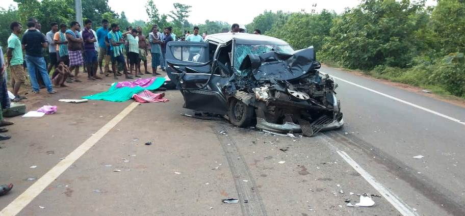 3 youth killed, 2 critical in car-truck collision in Odisha