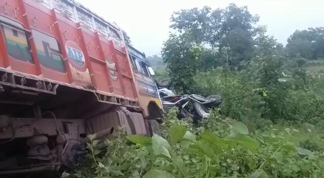 truck-bolero collision