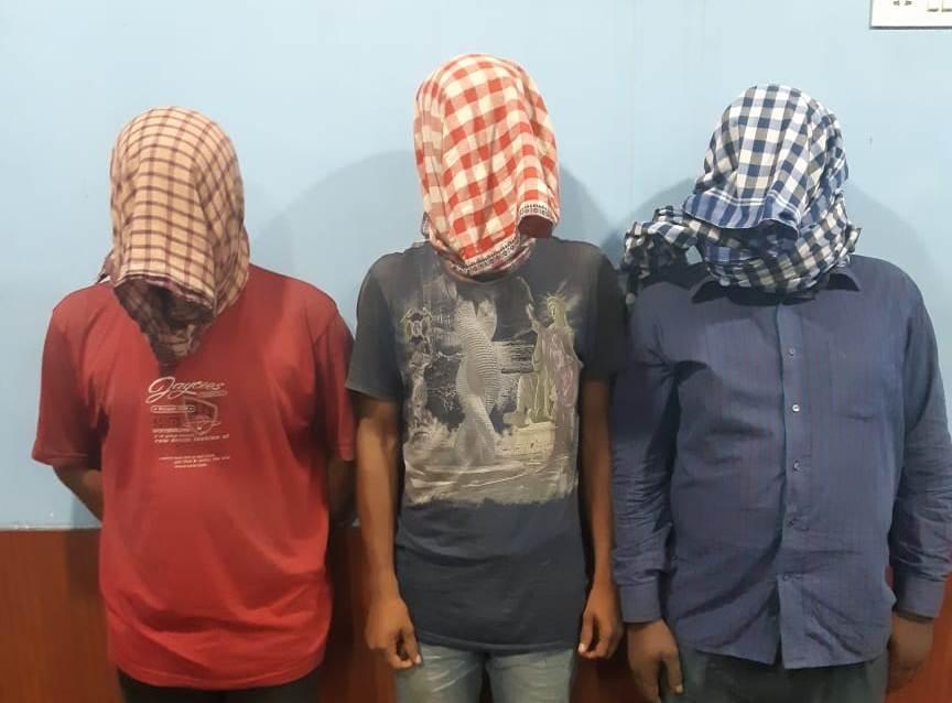 vehicle robbers
