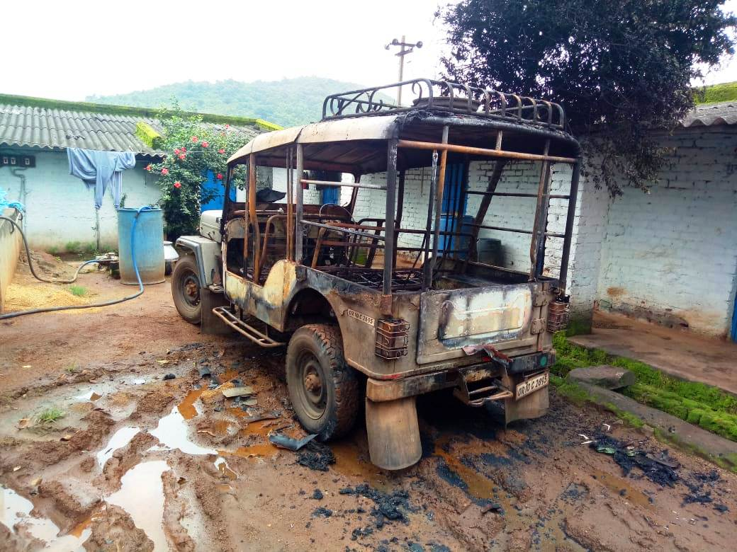 Odisha: Miscreants torch vehicles at country liquor factory