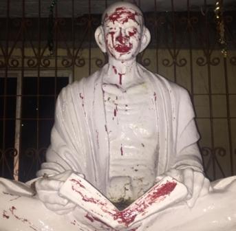 gandhi statue123