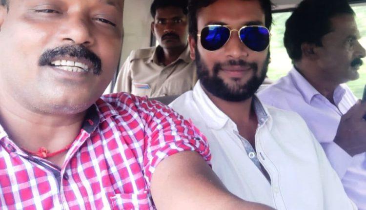 selfie with murder accused