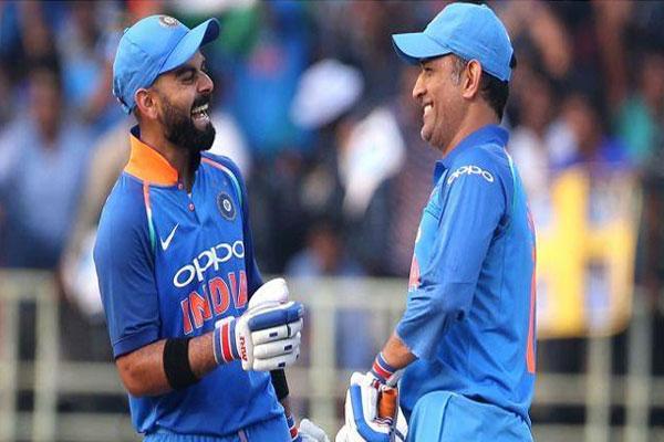 Kohli-and-Dhoni
