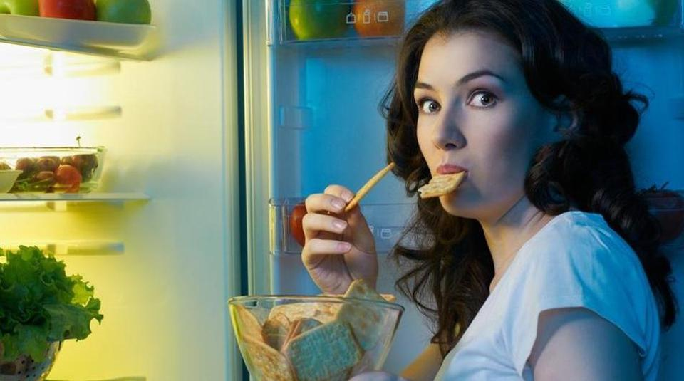 Who are prone to stress eating, men or women? | Sambad English