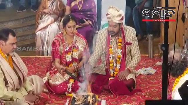 Amlan-Das-marries-Bhumika