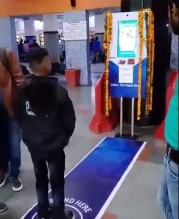 delhi station pushups