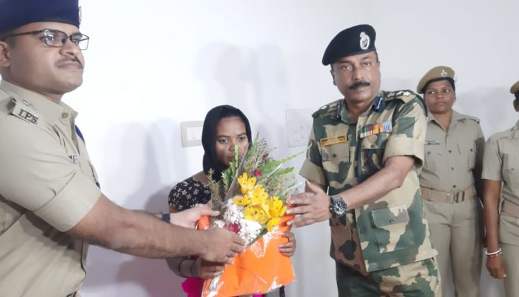 woman maoist