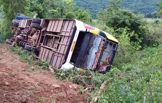 Bus overtuns