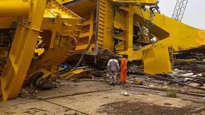 crane collapse_AP