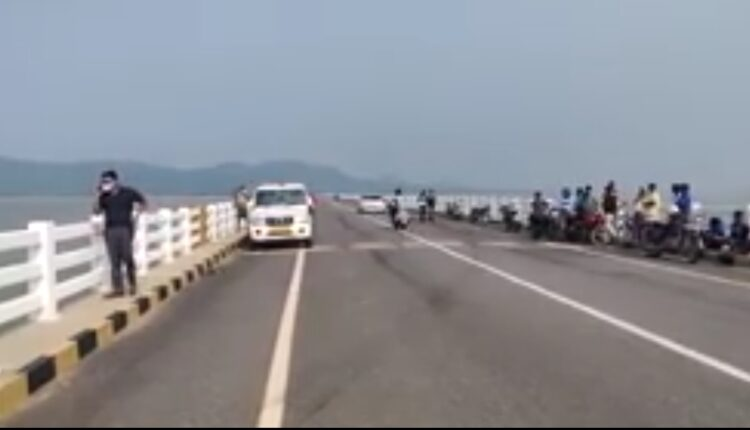truck falls off bridge