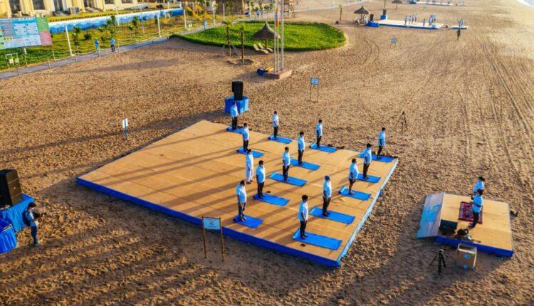 mo beach yoga1