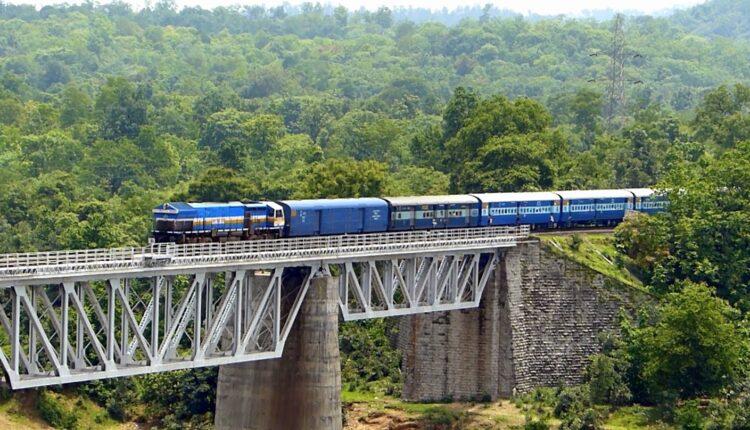 mumbai-to-goa-train