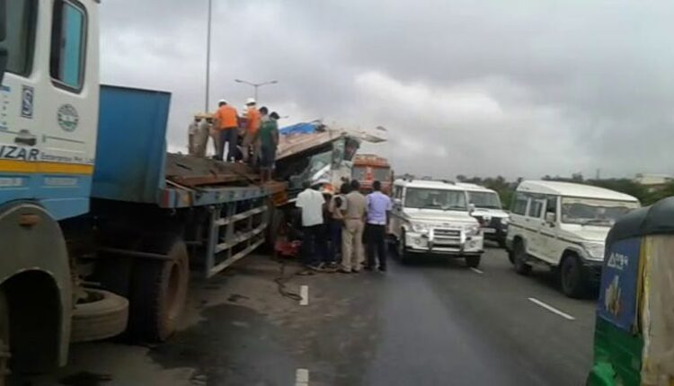 road mishap in BHubaneswar